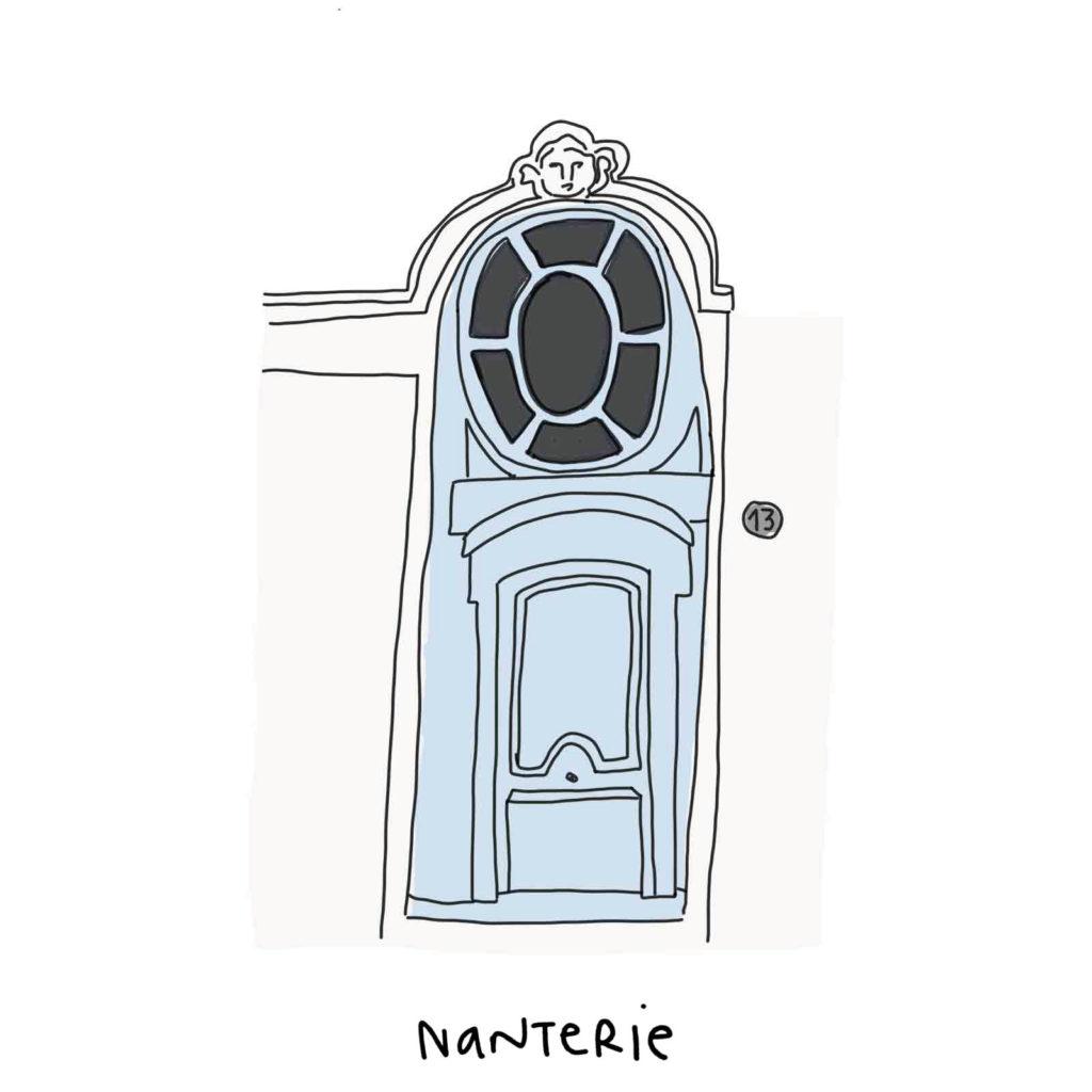 porte d'une maison penchée à Nantes